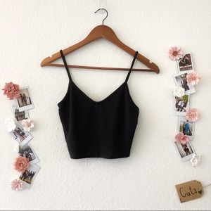 Black V- Neck Cropped Tank Top